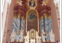 Ołtarz bazyliki w Trzemesznie. Zdjęcie nadesłane przez Urząd Miejski Trzemeszna