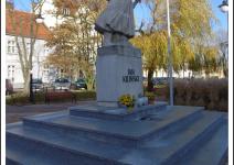 Plac Jana Kilińskiego w Trzemesznie. Zdjęcie nadesłane przez Urząd Miejski Trzemeszna