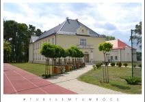 Szkoła w Nowym Kwasinie. Zdjęcie nadesłane przez Urząd Gminy Koźminek